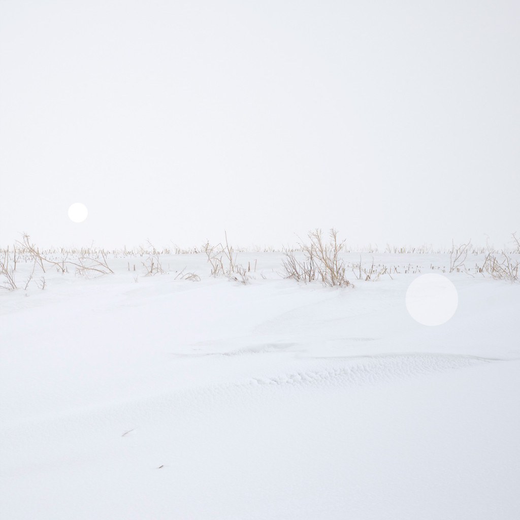 Snow Grasslands Series (I) – Alberta near Trochu_2014_ uv flatbed and screen print on silvered and sandblasted laminated glass_edition of 5 + 1 AP_100 x 100cm