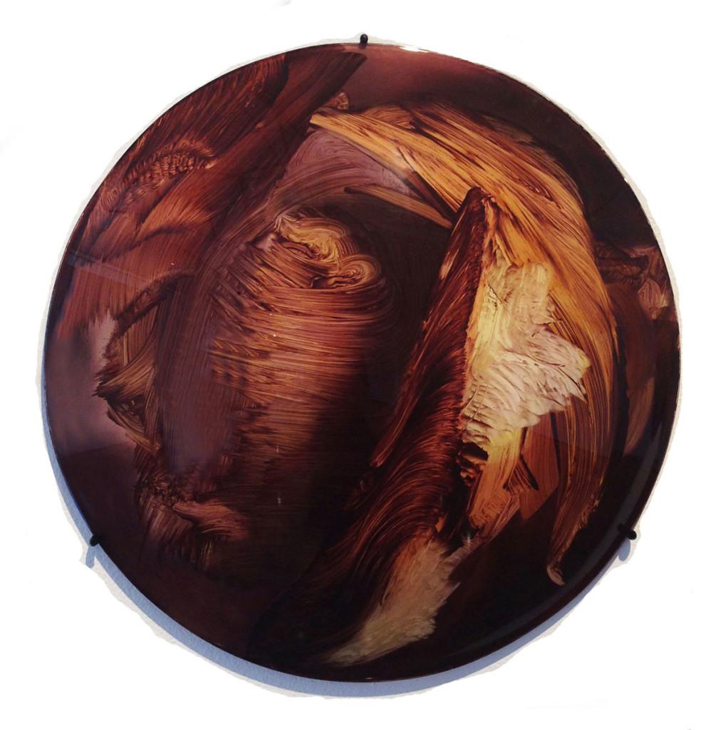 camille-hannah_oleander_2014_oil-on-convex-perspex_40cm-diameter